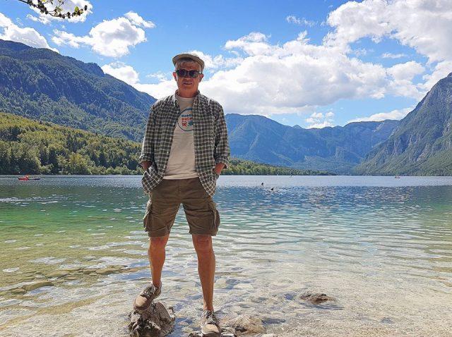 Carles al llac Bohinj en el parc Nacional Trivalski d'Esolvenia